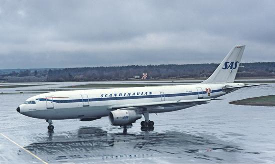 SAS_Airbus_A300_Soderstrom-1